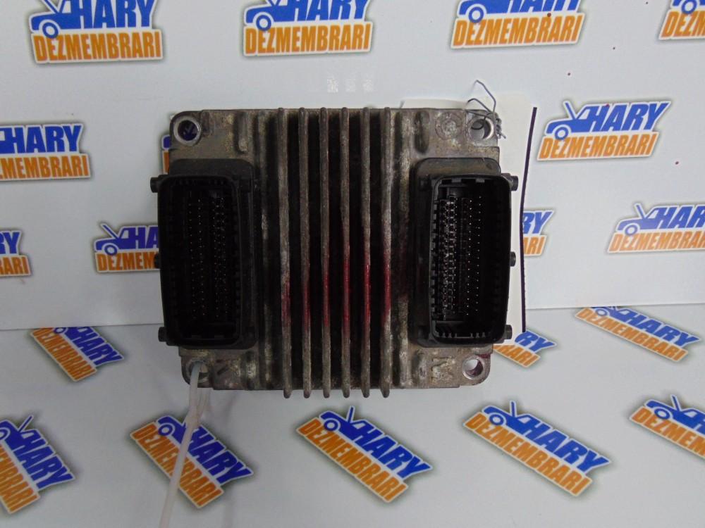 Calculator motor cu codul 12237919 pentru Opel Combo, 1.7DTI