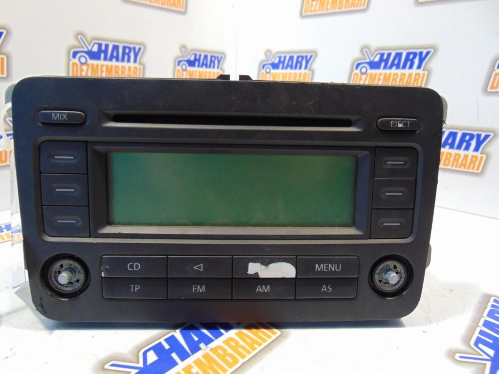 Radio CD cu codul 1K0035186G pentru VW Passat B6