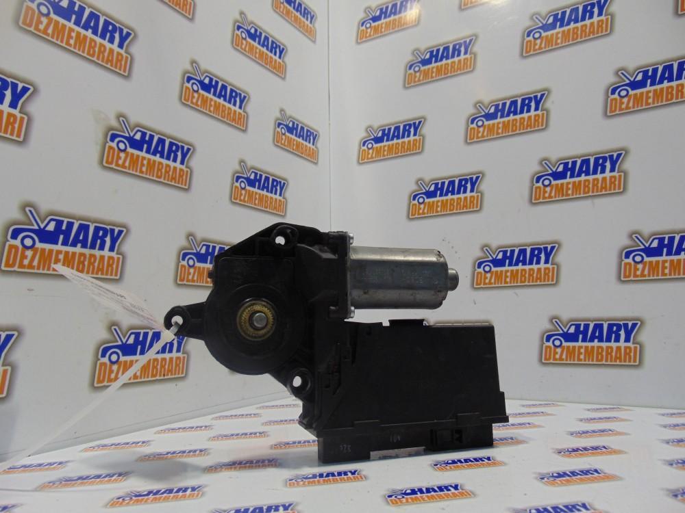 MOTORAS MACARA STANGA SPATE - cod: 8E0959801E - AUDI A4 B7