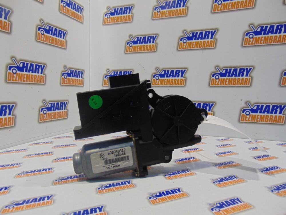 MOTORAS MACARA DREAPTA SPATE - cod: 6Q0959812 - VW POLO