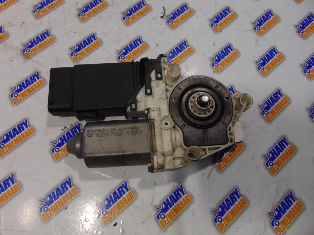 Motoras macara stanga fata cu codul 774.60021.02 pentru VW Golf IV