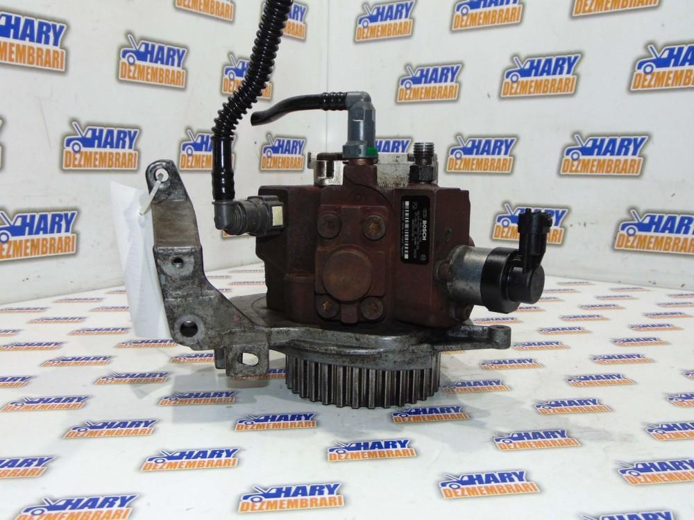 Pompa inalta avand codul 0445010102 / 9683703780A pentru Ford Focus 2