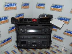 Radio CD avand codul original 4B0 858 005 P 5PR, pentru Audi A6