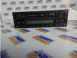 Radio casetofon avand codul original 1J0035152F, pentru VW Golf IV
