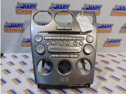 Radio CD cu codul FF011068B pentru Mazda 6