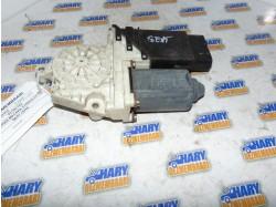 Motoras macara stanga fata cu codul 101387102 pentru Seat Leon
