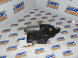 Motoras macara stanga spate cu codul 0130821696 pentru VW Passat B5