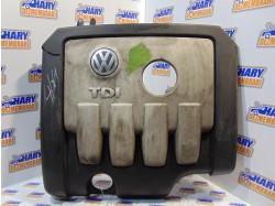 Capac motor cu codul SK03G103925Cpentru VW Golf V, 2.0TDI / BKD