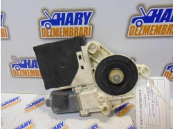 Motoras macara stanga fata cu codul E840311202 / 8P0959801H pentru Audi A3