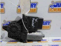 Motoras macara stanga spate pentru VW Bora, avand  codul original F005S00029