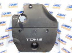 Capac motor avand codul original 038103925E, pentru VW Golf IV