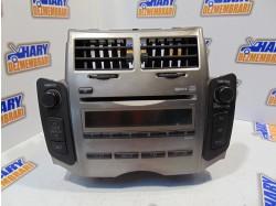 Radio CD cu codul 86120-0D490 pentru Toyota Yaris