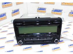 Radio CD avand codul original -5M0035186AA- pentru VW Golf 6 2008.
