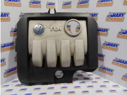 Capac motor cu codul 03G103925BR pentru VW Golf V Plus
