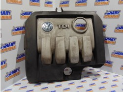 Capac motor cu codul 03G103925AA pentru VW Touran